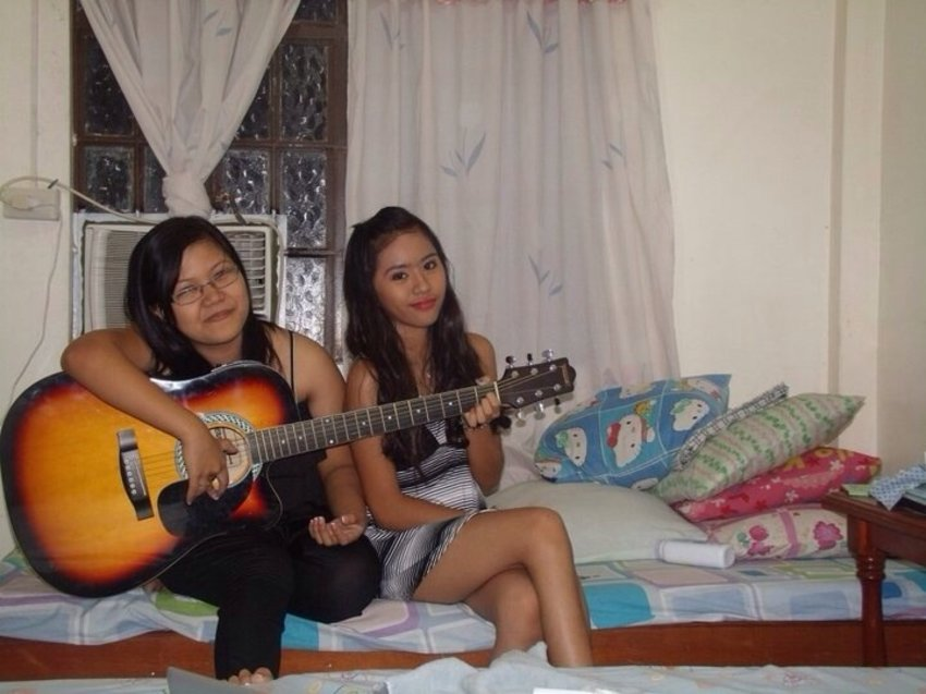 Yeah I know I have lots of  bff because I'm a loving person and this is how we make memories. Yes, infront of the camera!