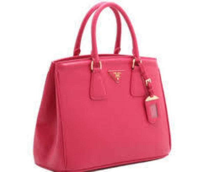 having my Pink Prada Tote on my birthday..thanks for my Boyfriend...