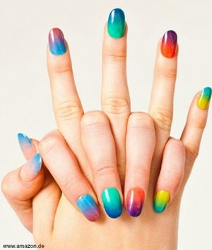Nothing screams Summer fever more than Ombre and Colourful nails!