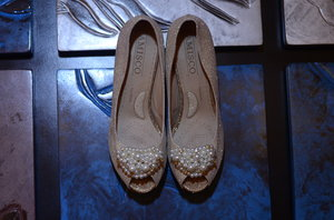 Pearls & glitters for my bridal shoes